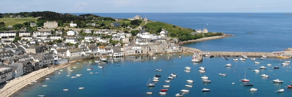 Lower Anchorage - Self catering flat on the Isles of Scilly with fantastic harbour views. Hugh Town as seen from Buzza Tower